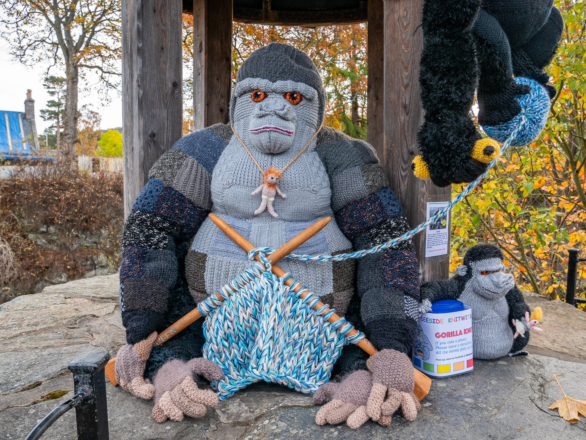 Guerrilla Knitting the Gorilla at Braemar Creative Arts Festival