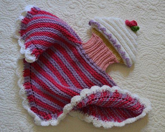 Knit a Cupcake Lovey