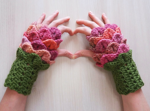 Free Pattern: Flower Fingerless Mittens Designed By Fibre and Folk