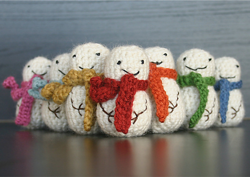 Crochet a Mini Crochet Snowman (or 8) With This Free Pattern