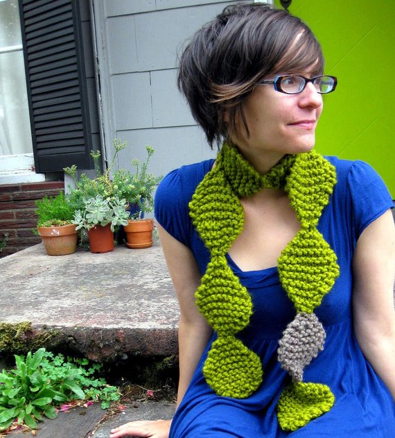 Get the pattern designed by NeekaKnits