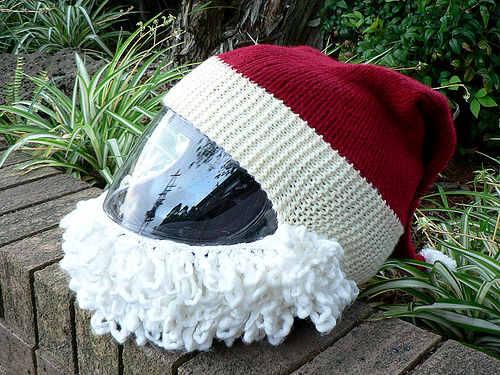 Turn a Motorcycle Helmet Into a Santa Costume … The Best Biker Cosplay For the Holidays!