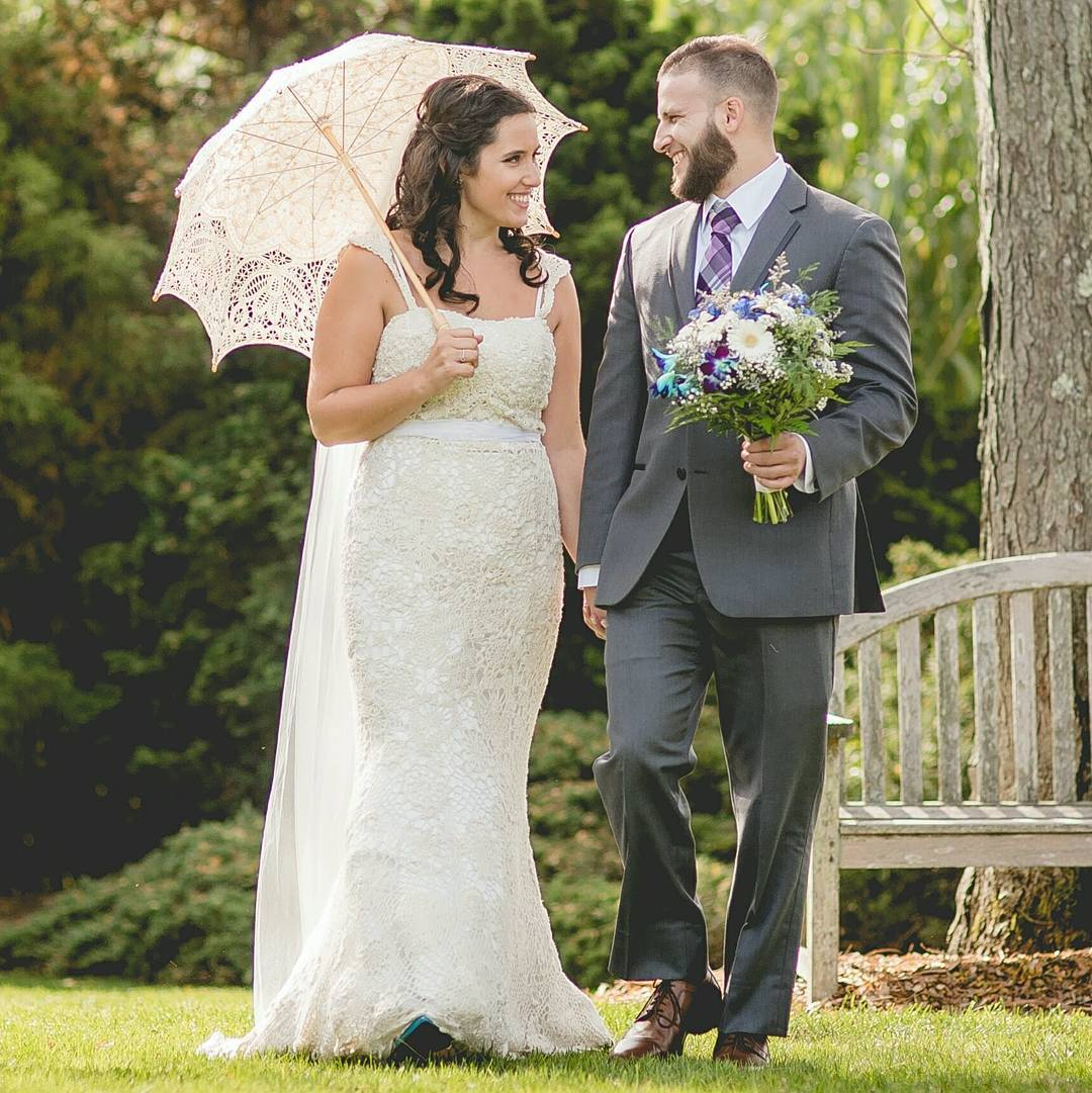 Stephanie Kreuz Crocheted Her Wedding Dress and It's a Dream Come True