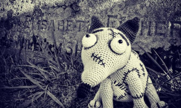 She Crocheted Sparky From Tim Burton's 3D Stop-Motion-Animated Horror Comedy, Frankenweenie!