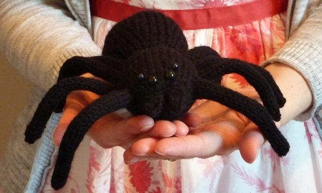 Knit a Shadowy Arachnophobia Spider, Free Pattern!