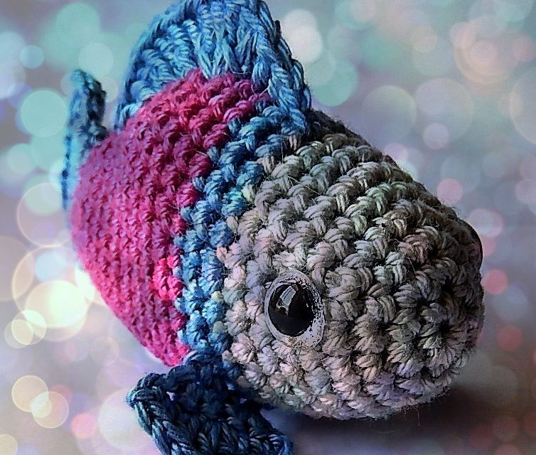 Crochet a Little Fish Amigurumi – Free Pattern!