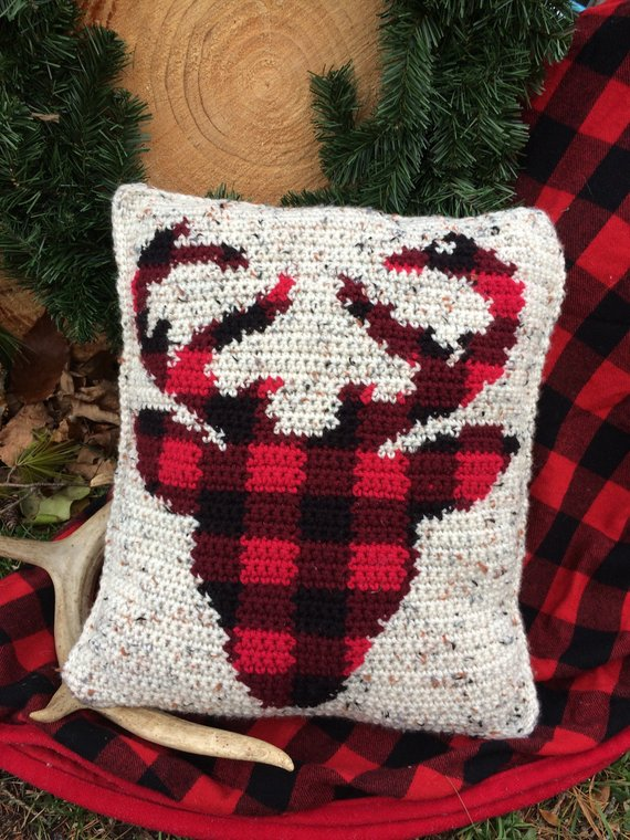 Crochet a Set of Rustic Buffalo Plaid Pillows With Patterns From Donovan Creations