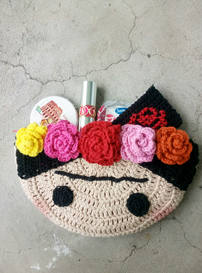 Crochet a Cute Frida Kahlo Inspired Clutch - Free Pattern and Tutorial!