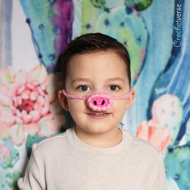 Piggy Pig Nosewarmer by Stephanie Pokorny aka Crochetverse