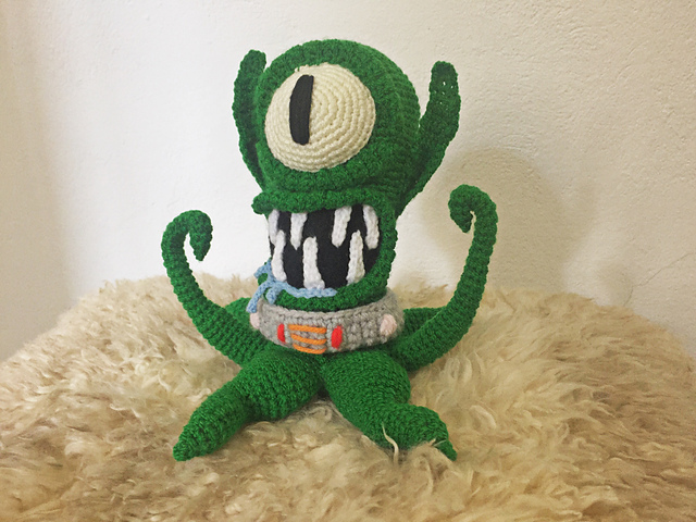 Simpsons Fans, Crochet Your Own Kang and Kodos Amigurumi!