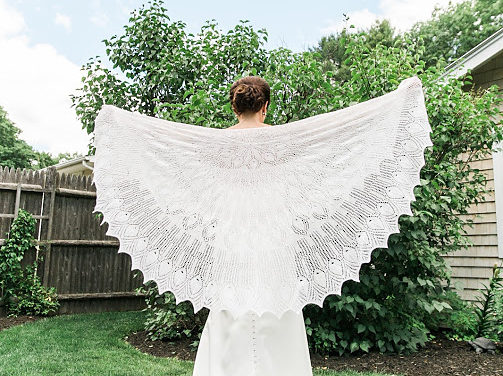 Knit a Gorgeous Wedding Peacock Shawl … Hard To Believe This Lacy Pattern is FREE!