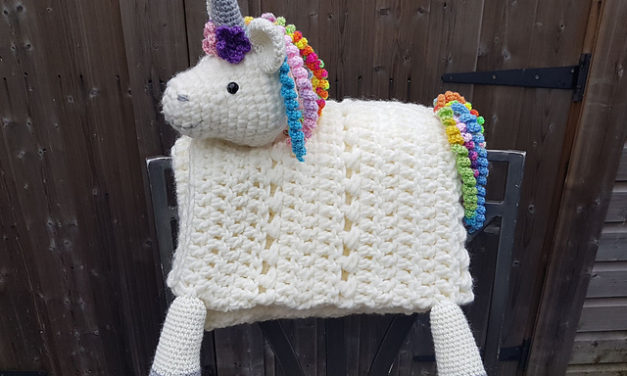 Crochet a 3-in-1 Rainbow Unicorn Baby Blanket … So Cute and the Pattern is FREE!