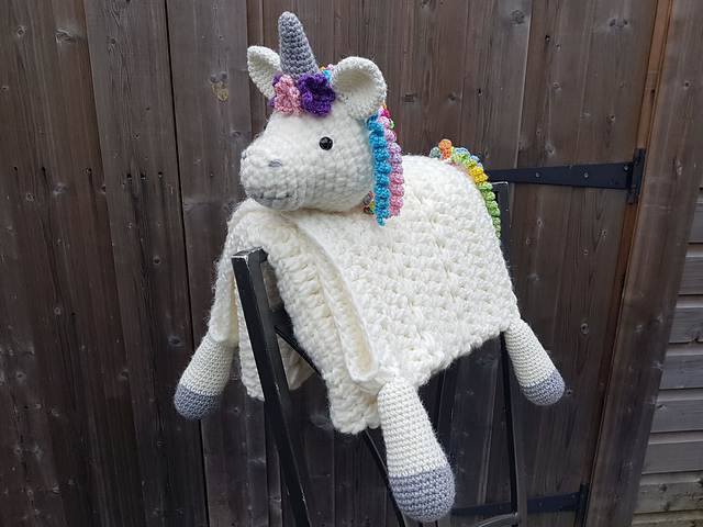 Crochet A 3 In 1 Rainbow Unicorn Baby Blanket So Cute