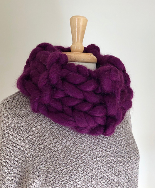 Super Quick & Easy Cowl ... Knits Up In Less Than a Day, Get the Pattern Free!