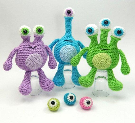 Get the pattern from Moji-Moji Design