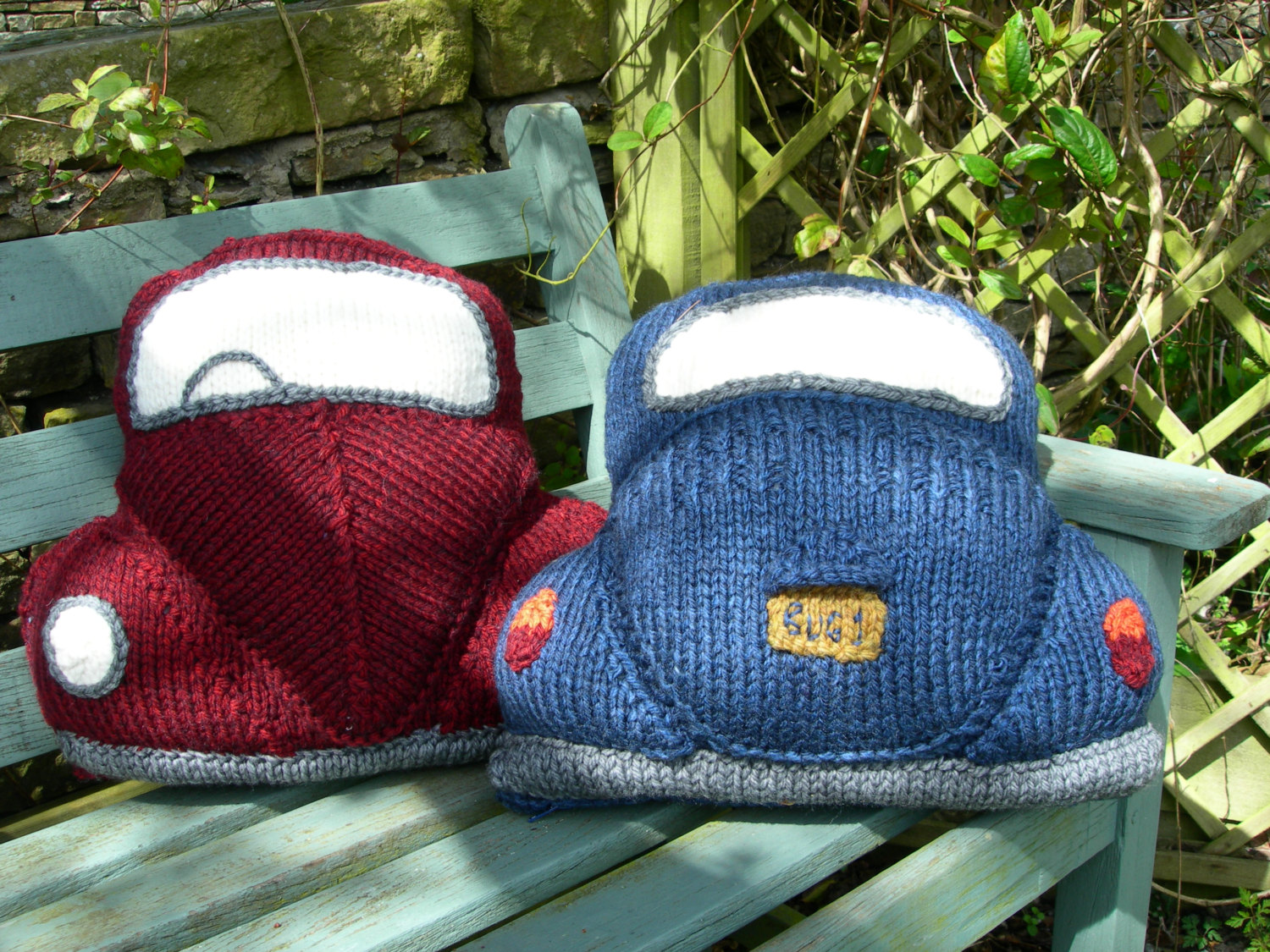 Love the VW Bug? Knit a Pair of These Classic Car Cushions ... They're Perfection!