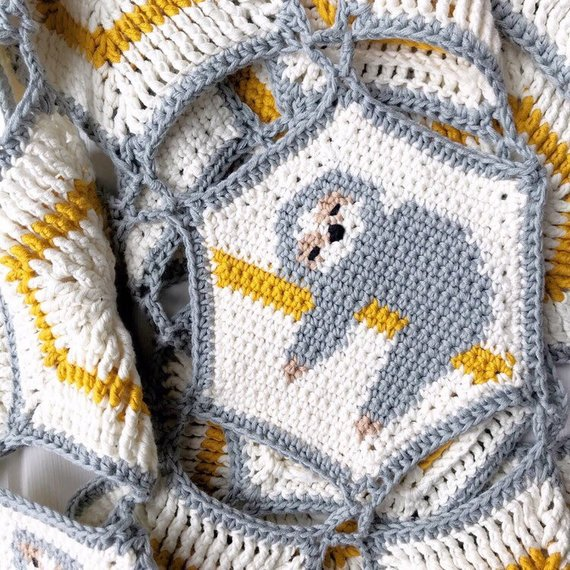 Get the pattern from The Almond Snug