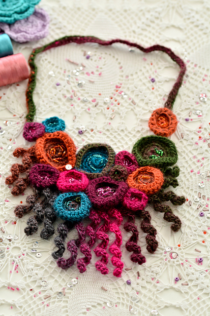 Crochet a Coral Necklace With a Free Pattern From Maya Kuzman
