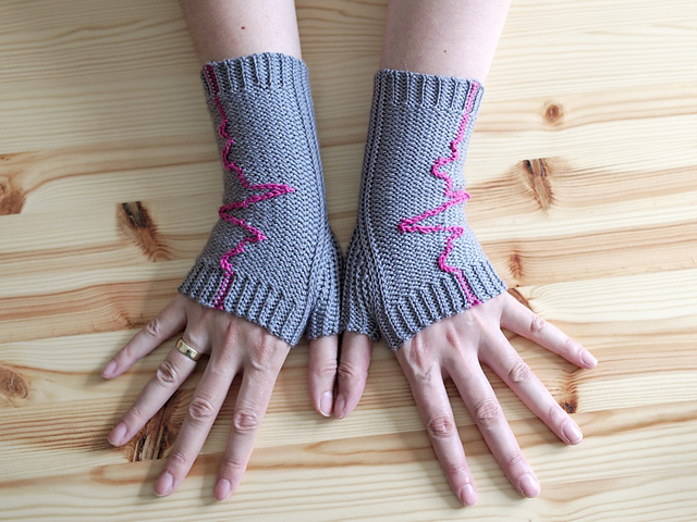 Crochet a Pair of 'Heartbeat' Gloves and Learn a New Technique Too!