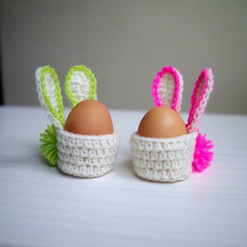 Get the egg cosy pattern via Etsy