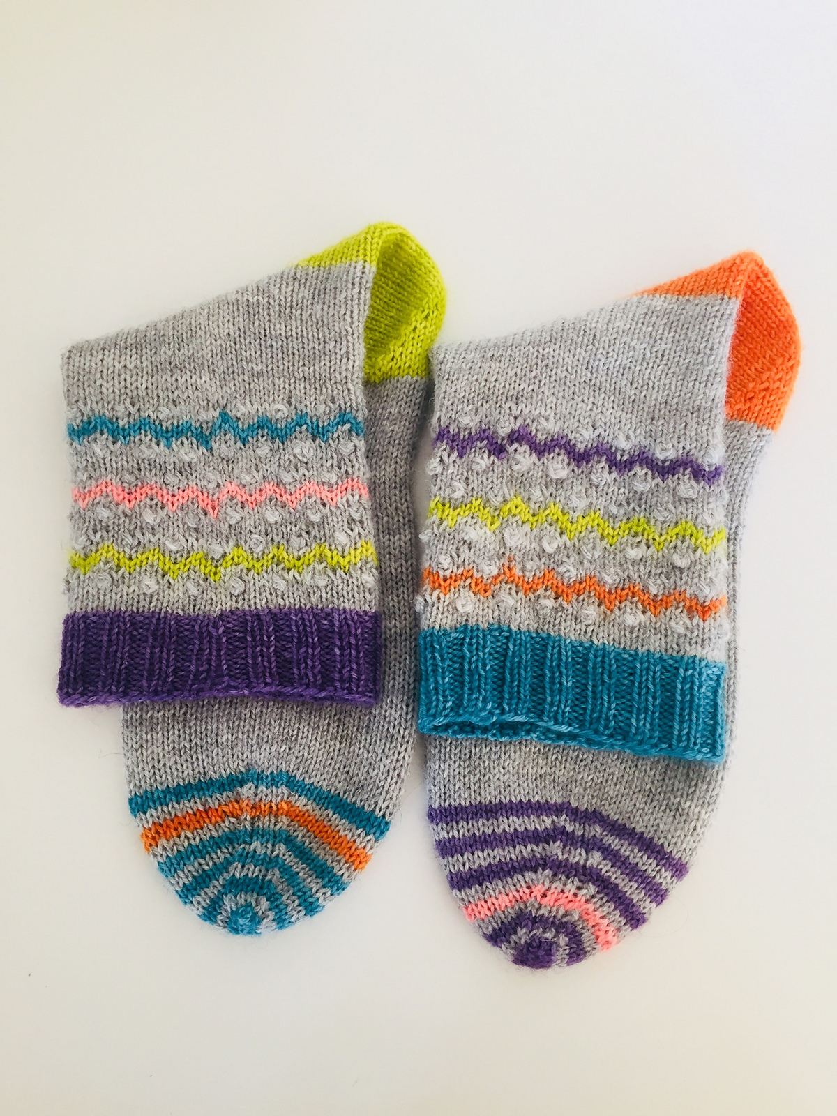 Ziggy Knots ... Dotty Knots ... It's Time To Knit Socks!