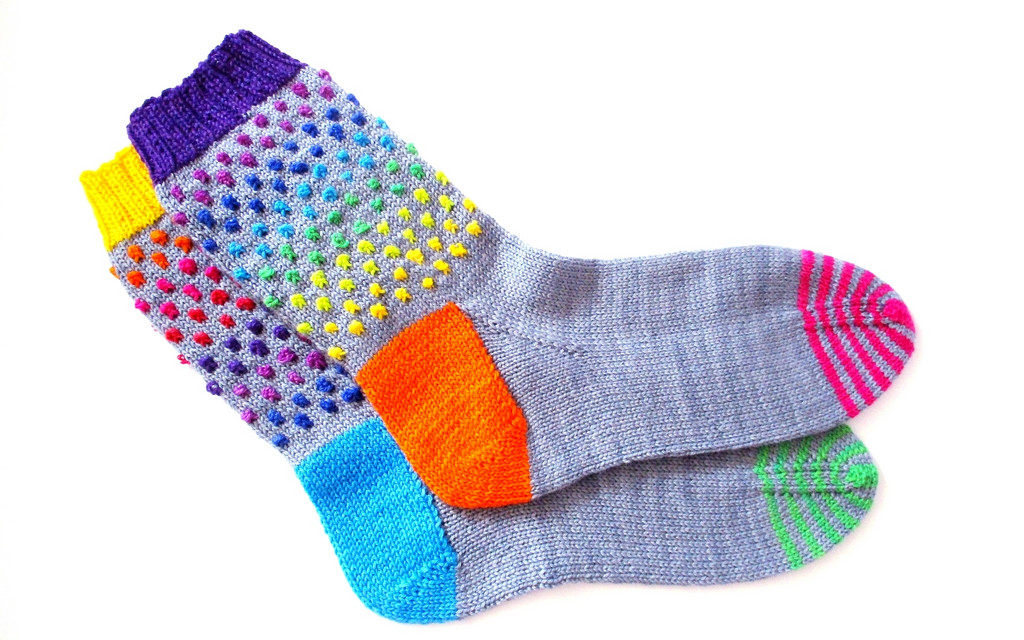 Ziggy Knots … Dotty Knots … It's Time To Knit Socks!