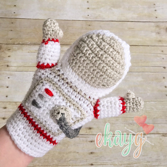 Crochet an Awesome Astronaut Hand Puppet!