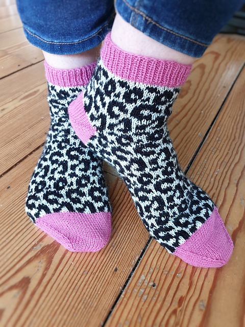 Knit a Pair of 'Not Your Average Cat Lady Socks' ... Perfectable Portable Project For Summmertime Knitting!