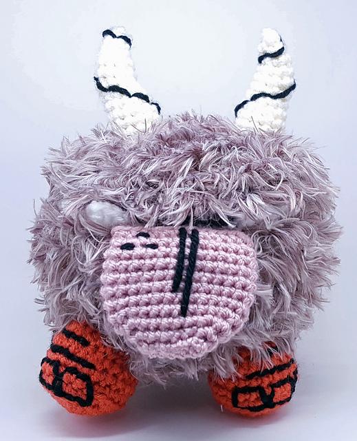 Love the Survival Game 'Don't Starve?' Crochet a Chester Amigurumi, Comes With Bone!