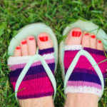 Knit a Pair of Thong Sandal Socks, Free Pattern!