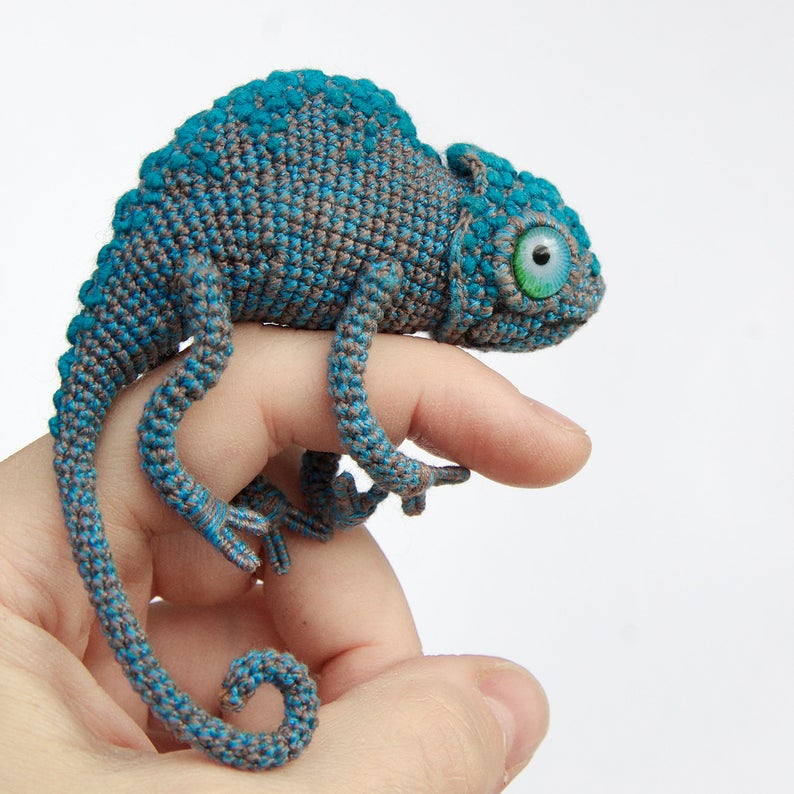 Crochet a Chameleon Amigurumi With Amazing Eyes ... This is a Must-Make!