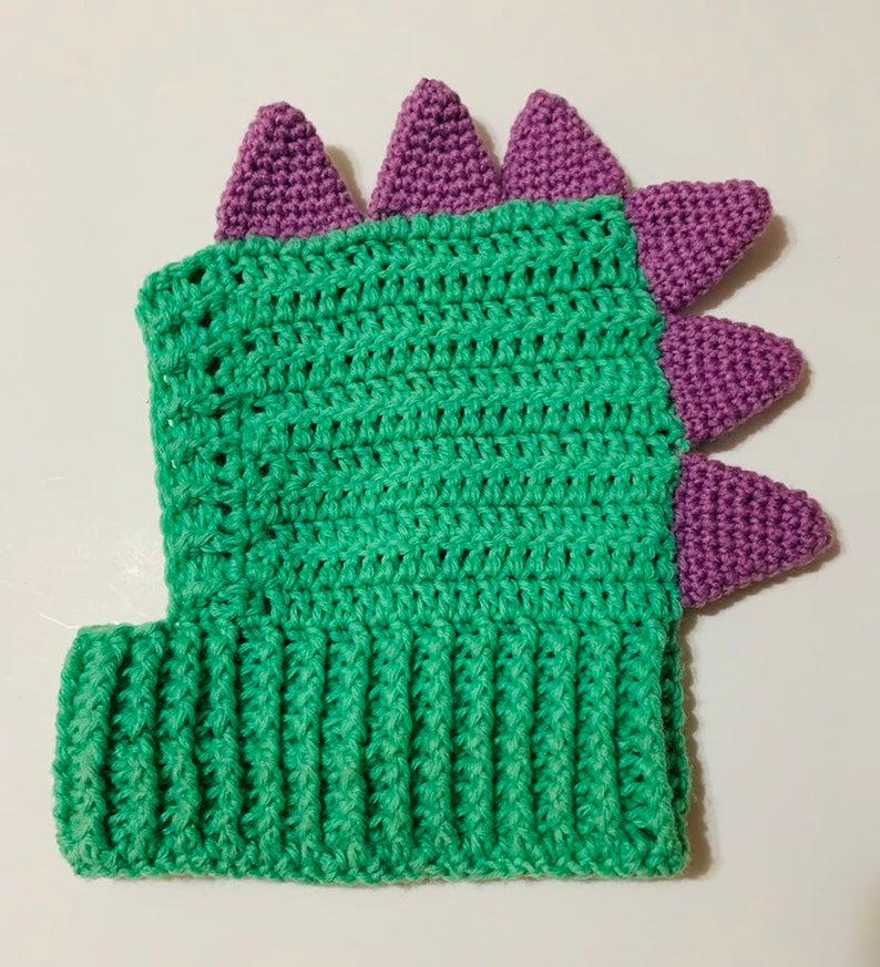 Crochet a Dinosaur Snood For Doggy Cosplay Fun