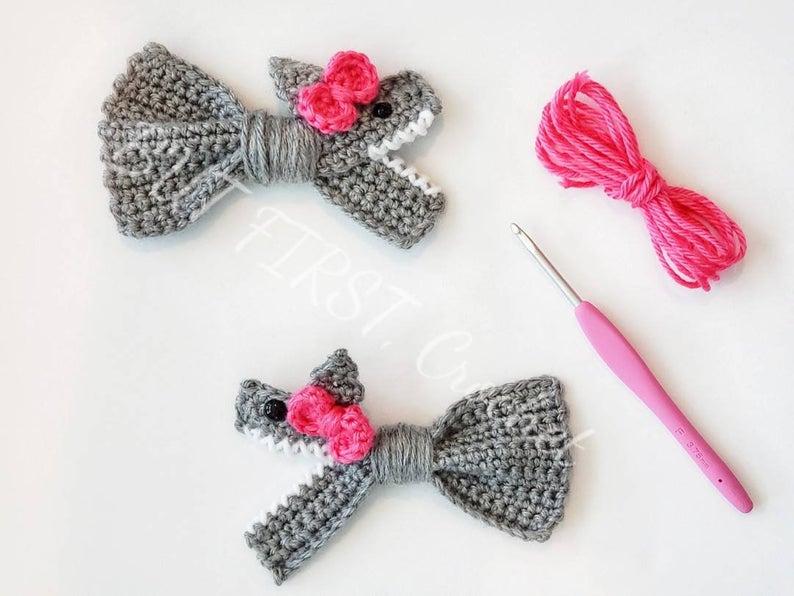 Crochet a Baby Shark Hair Clip ... Baby Shark Doo Doo Doo Doo Doo Doo