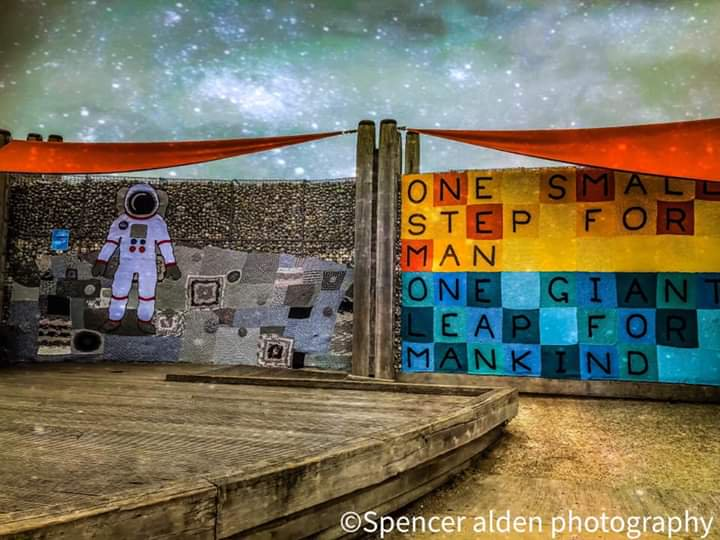 Mindblowing Moon Landing Yarn Bomb – Wow!