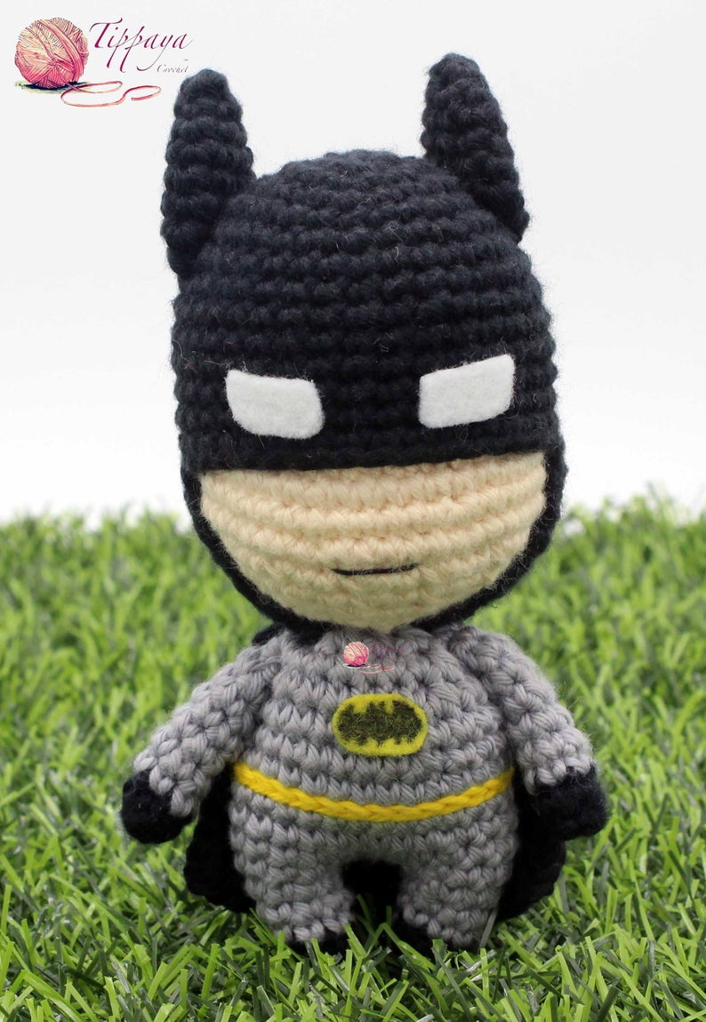 Get the Batman amigurumi pattern