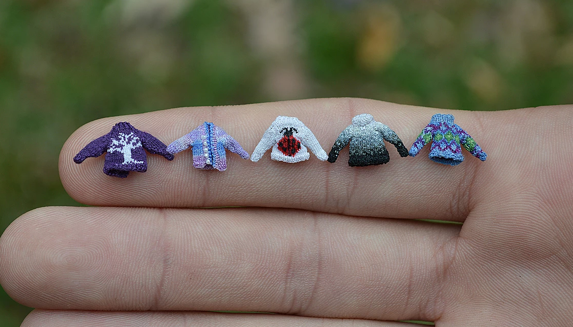 Micro Knitter Althea Crome Gets an Incredible 80 Stitches To The Inch