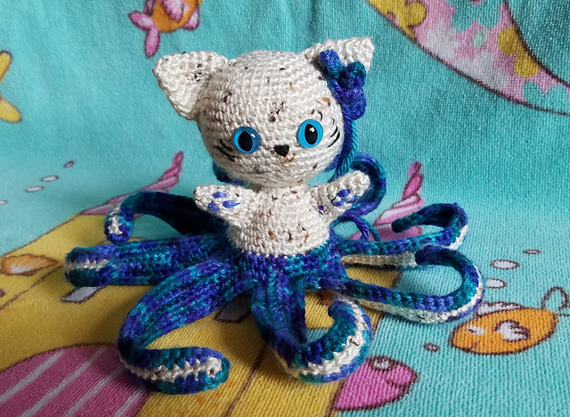 Crochet an Itty Little Cat'hulhu Amigurumi, Inspired By H. P. Lovecraft's Cosmic Cthulhu