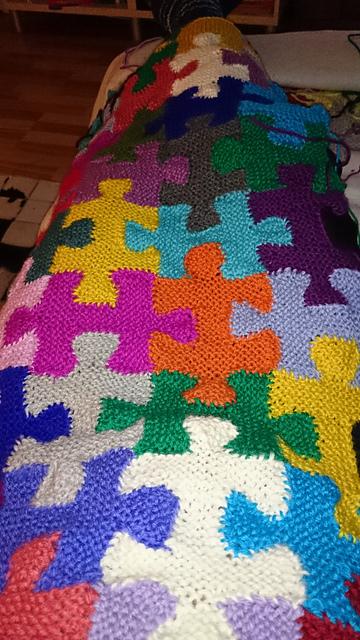 Knit a Fabulous Puzzle Pieces Afghan ... Gorgeous Stashbuster Alert!