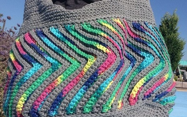 Crochet a Fast-Forward Chevron Purse With This Free Pattern From Krazy Kabbage … So Cool!