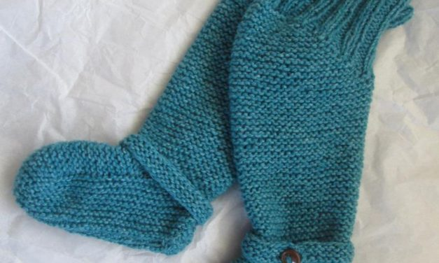 Knit an Easy Pair of Knee High Baby Booties – Garter Stitch Never Looked So Stylish!