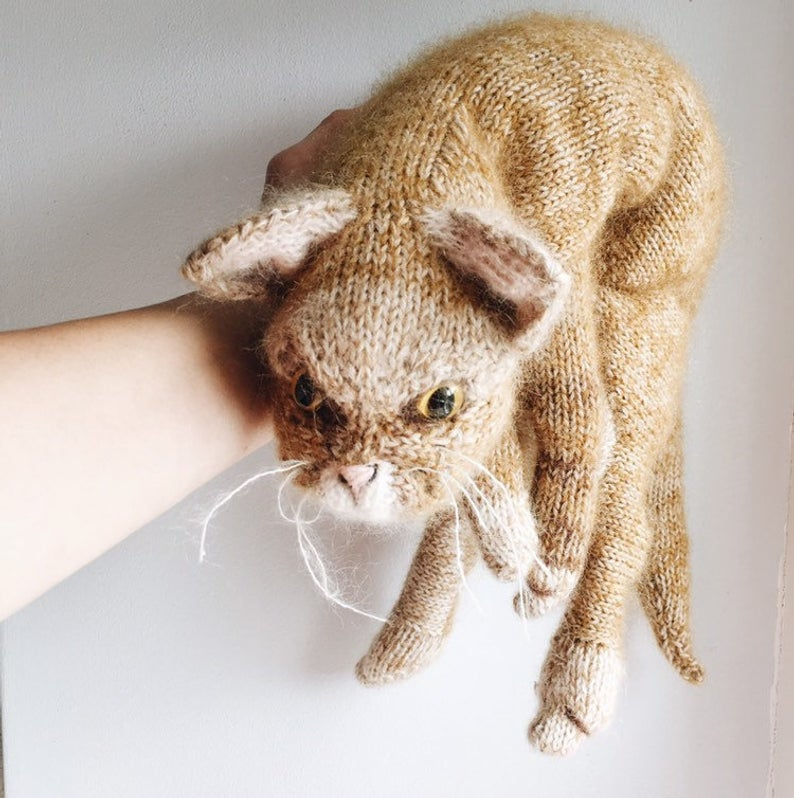 Knit a Life-Sized, Realistic-Looking Kitty-Cat With This New Pattern From Claire Garland!