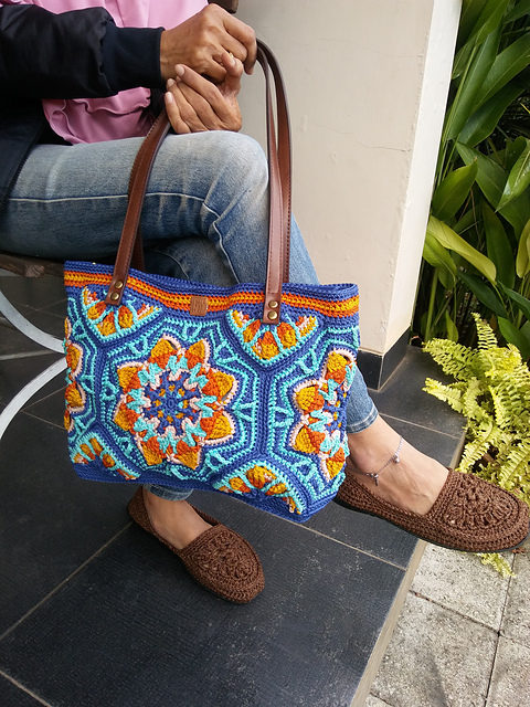 Hello Gorgeous … This Champa Tote Bag Is Begging For You To Crochet It