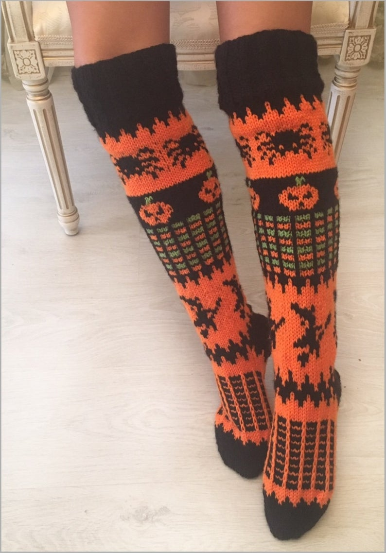 Knit a pair of Halloween socks! #knitting #halloween