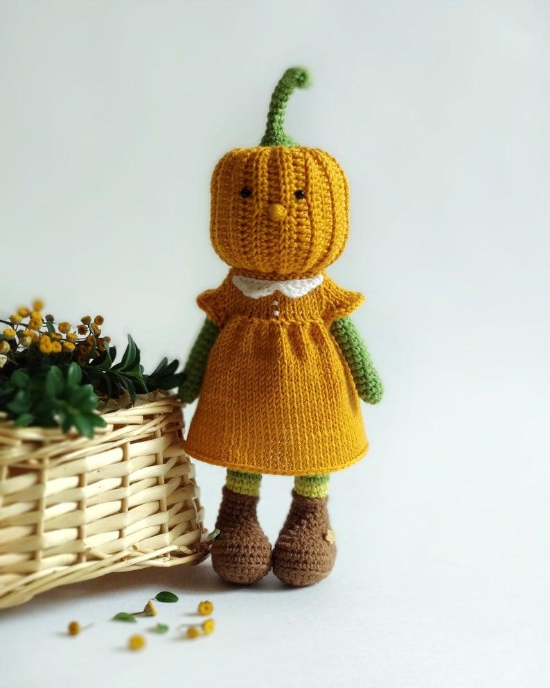Knit & crochet a pumpkin head doll #knitting #crochet
