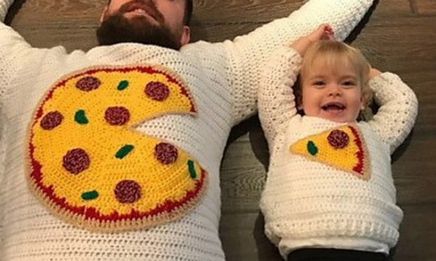 The Cutest Set Ever … Crochet a Pizza Pie Sweater for Two!
