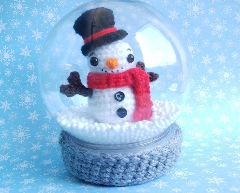 You'll Instantly Fall In Love With This Snow Globe Amigurumi