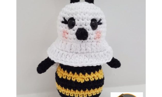 This 'Boo-Bee' Amigurumi Is Perfect For Halloween, Unique and Cute!