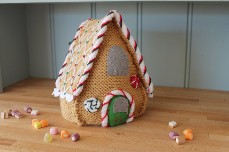 knit a gingerbread house!