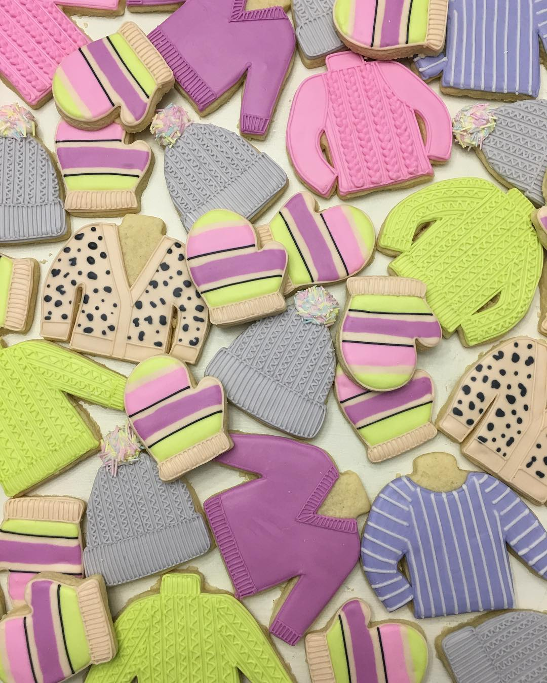 Think You Can't Make Intricate Cable-Knit Sweater Cookies? Think Again!
