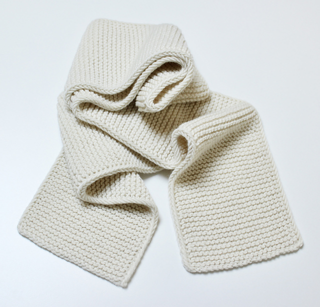 Free Pattern Alert! Knit a Garter Stitch Scarf With a Distitch Edge That's 100% NOT BORING!